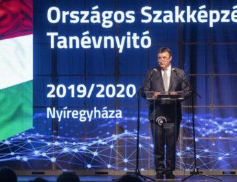 Palkovics László: tíz év után először többen választották a szakképzést, mint a gimnáziumot